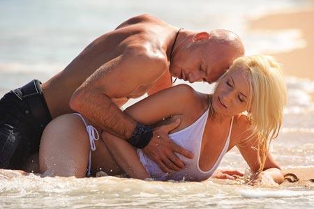 Как ласкать женскую грудь
