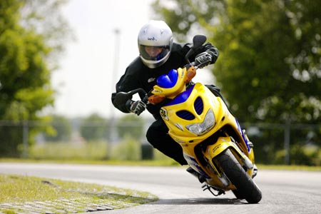 Купить скутер или купить мопед. Советы по выбору мототехники.