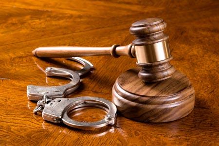 Услуги уголовного адвоката – проблема выбора компании